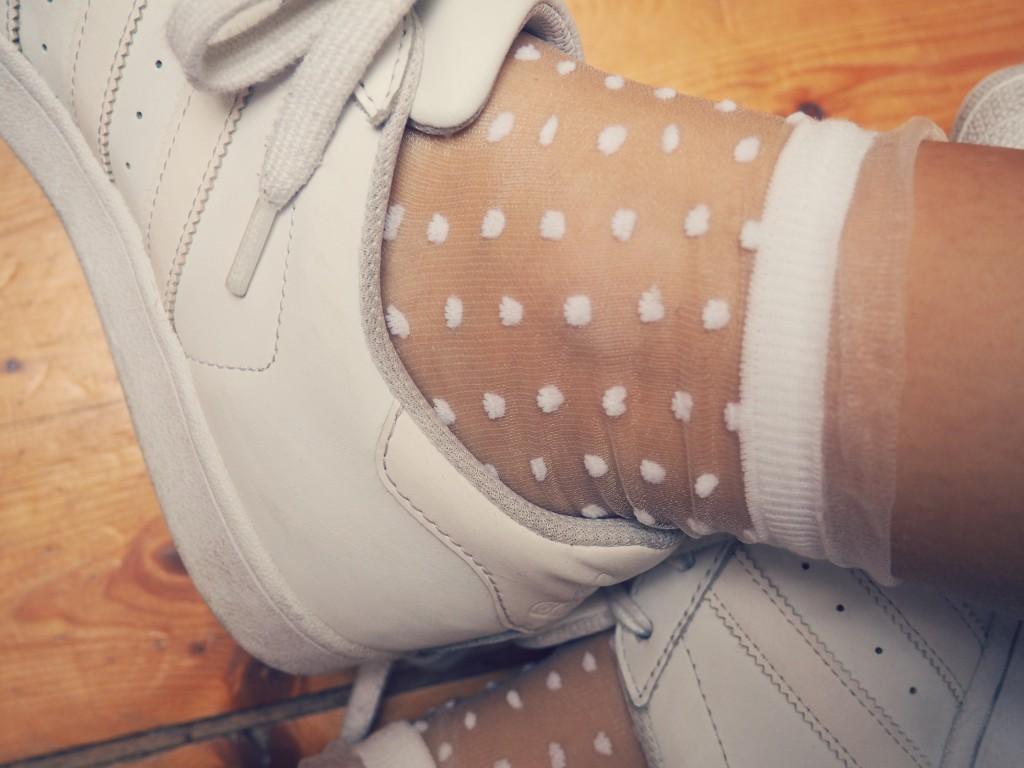 Socken_weiß_dots_details