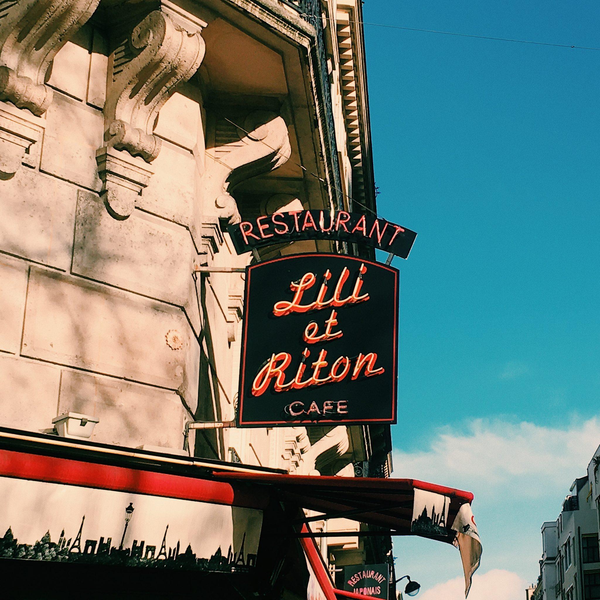 Paris Fassade Schild